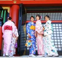 japan-girls-kimono